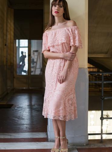 Φόρεμα δανδέλα έξωμο ρόζ